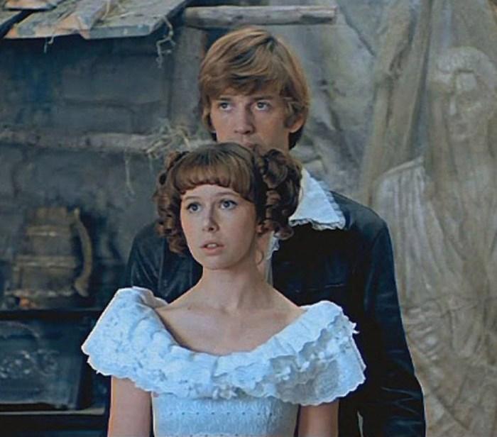 Александр Абдулов и Евгения Симонова, кадр из фильма «Обыкновенное чудо». / Фото: www.twimg.com