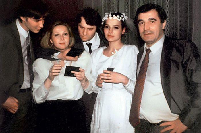 На свадебном банкете с Натальей Гундаревой и друзьями. / Фото: www.7days.ru