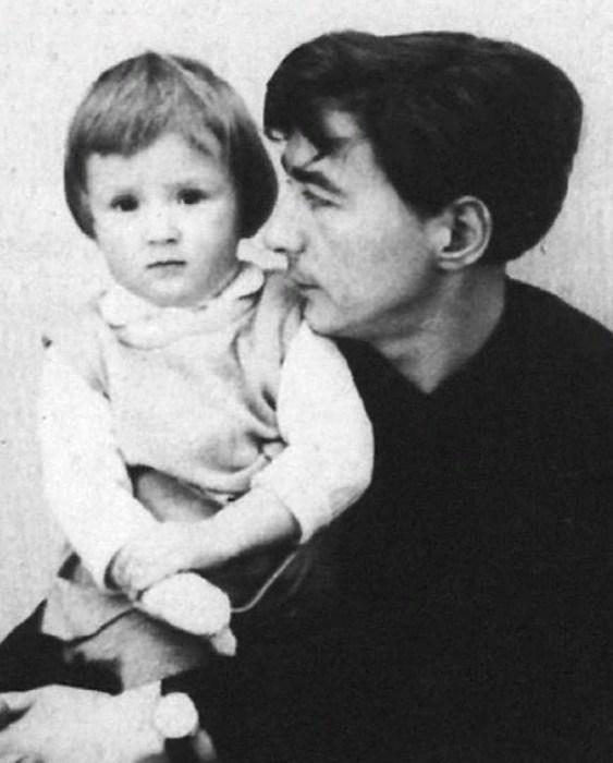 Эдуард Успенский с дочерью Татьяной. / Фото: www.itexts.net