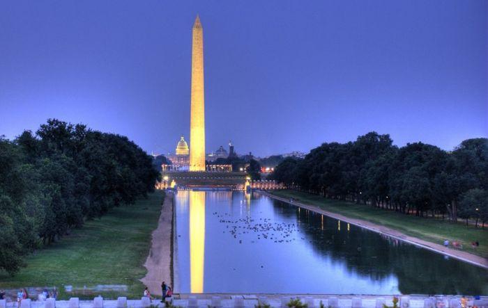 Монумент, установленный в честь первого президента США. / Фото: www.cision.com