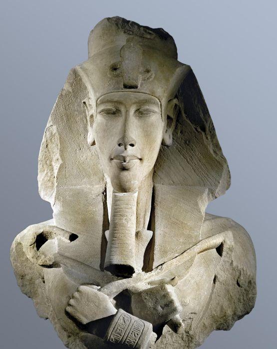 Колосс Аменхотепа IV <br>(Эхнатона).Работа неизвестного автора 1350-1333 до н.э. / Фото: www.art.biblioclub.ru