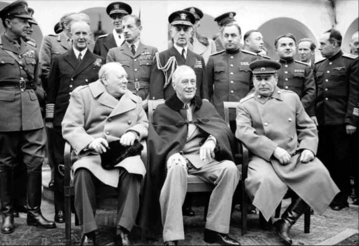 На Ялтинской конференции, 1945 год. / Фото: www.adultingandpassportstamps.com