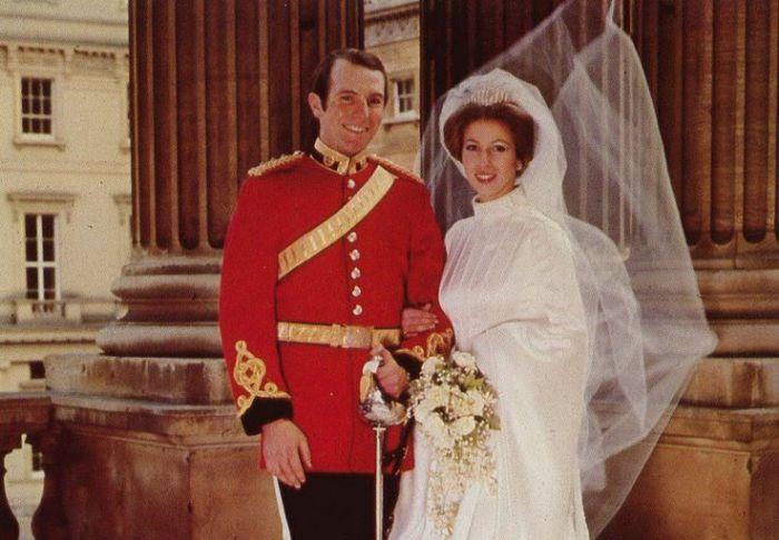 Свадьба принцессы Анны и Марка Филлипса. / Фото: www.vlturkeytrot.com