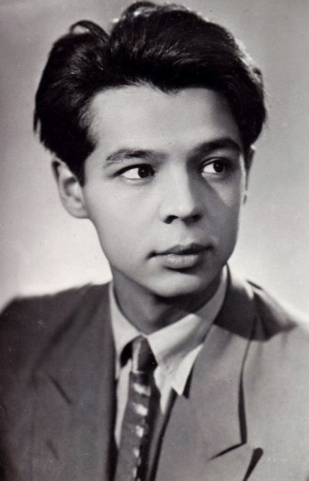 Раднэр Муратов в молодости. / Фото: www.fishki.net