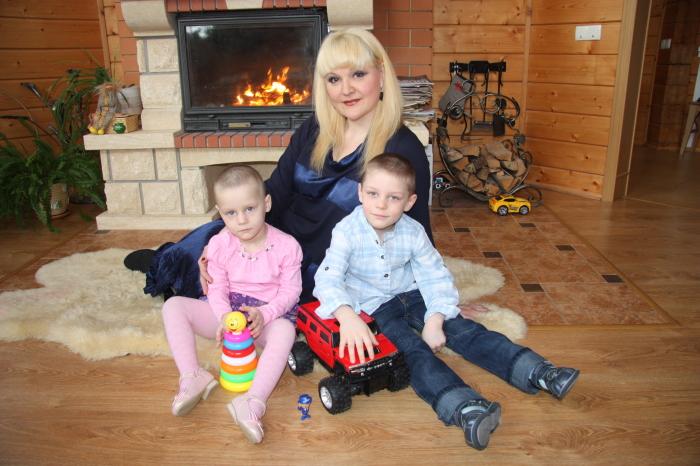 Маргарита Суханкина с детьми. / Фото: www.changeonelife.ru