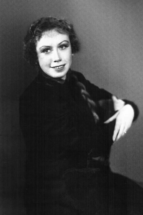 Евгения Ханаева в юности. / Фото: www.fishki.net
