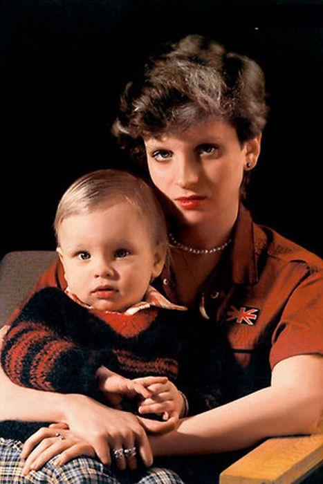 Эмма Малинина с сыном Антоном. / Фото: www.seven-days.ru