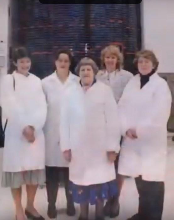 Ивонн Брилл с женщинами-учёными. / Фото: www.youtube.com