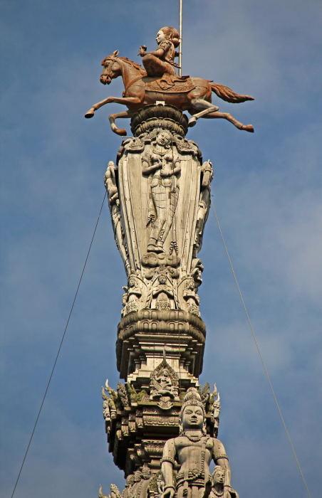 Главный шпиль Храма. / Фото: www.piccy.info