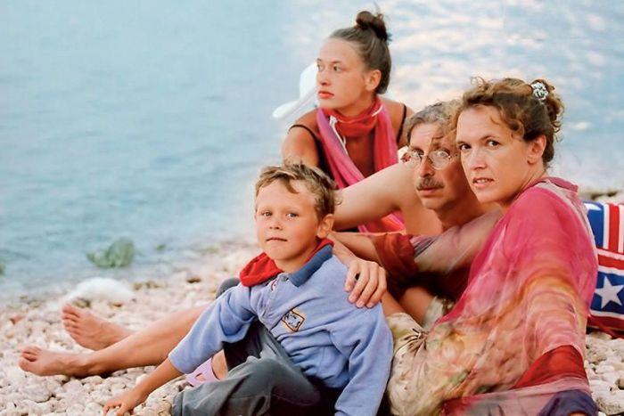 Мария Добржинская с родителями и младшим братом.  / Фото: www.7days.ru