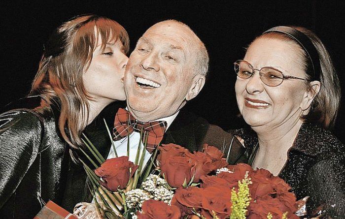 Сергей Юрский с женой и дочерью. / Фото: www.kpcdn.net