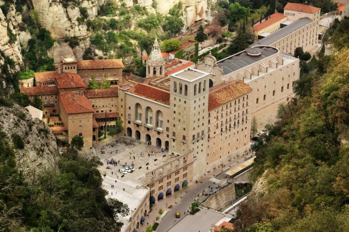 Бенедиктинский монастрь. / Фото: www.barcelona-home.com