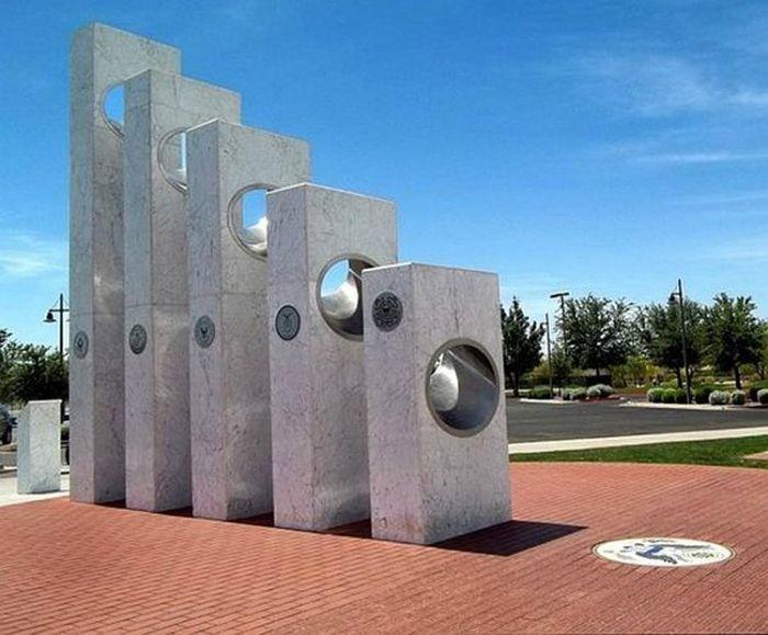 Мемориал в Антеме. / Фото: www.tripadvisor.ca
