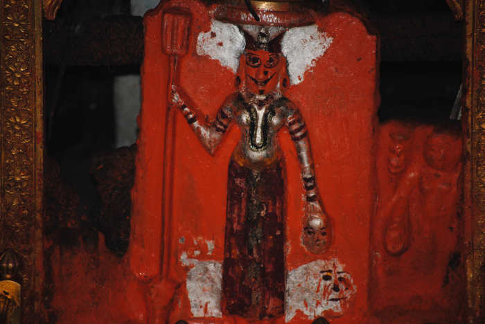 Идол в храме Карни Мата. / Фото: www.guidewithme.com