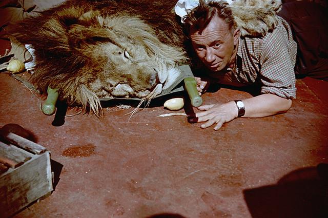 Кадр из фильма «Полосатый рейс». / Фото: www.fishki.net