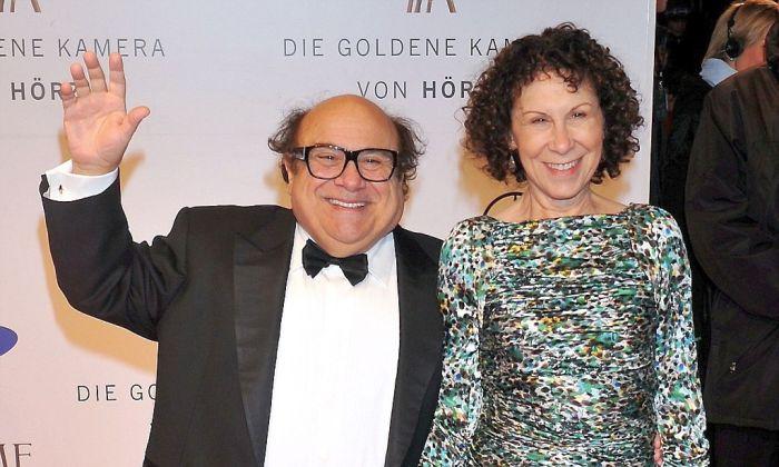 Дэнни Де Вито и Реа Перлман. / Фото: www.alfa24.online