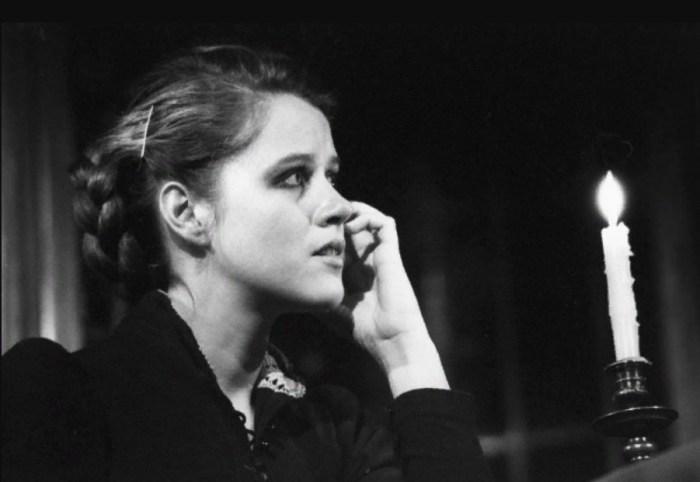 Янина Лисовская в роли Сони в спектакле «Дядя Ваня» по пьесе А.П. Чехова. / Фото: www.visualrian.ru