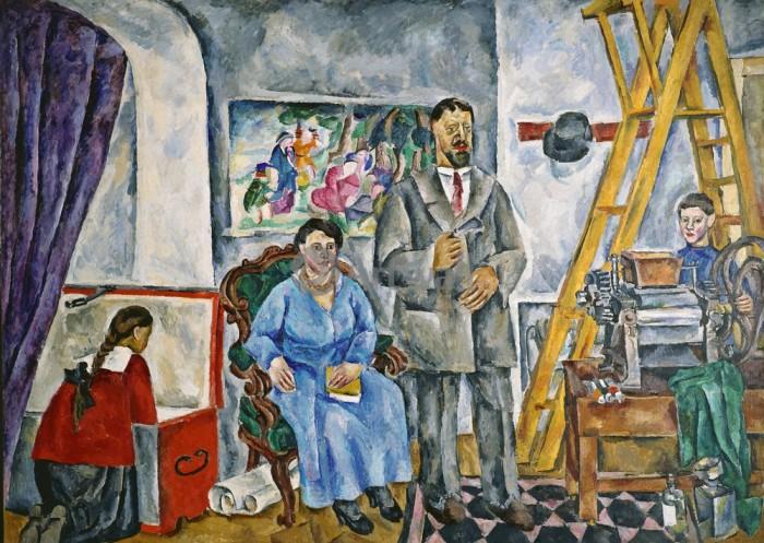 «В мастерской. Семейный портрет», 1917 г. / Фото: www.avangardism.ru