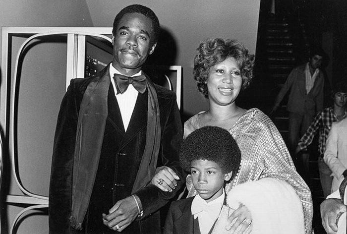 Арета Франклин с мужем Глинном Тёрменом и сыном Келфом. / Фото: Michael Ochs Archives/Getty Images