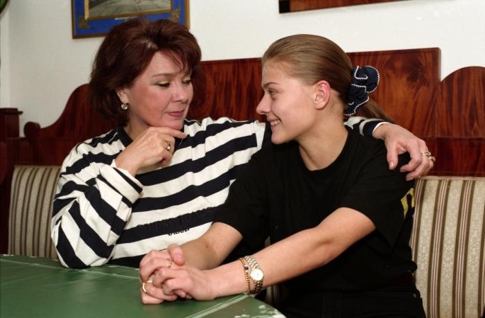 Мария Голубкина с мамой. / Фото: www.woman.ru