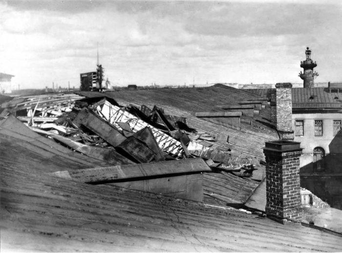 Во время Великой Отечественной войны Музей подвергался бомбёжкам.  / Фото: www.zin.ru