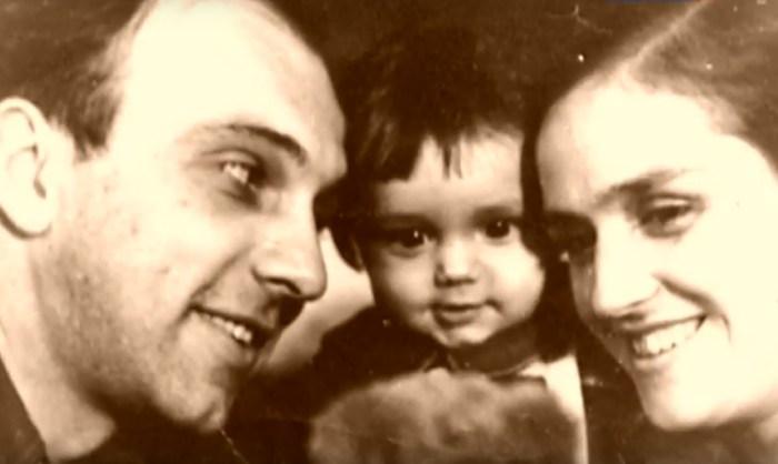 Ирина Карташёва и Михаил Погоржельский с сыном. / Фото: www.tvkultura.ru