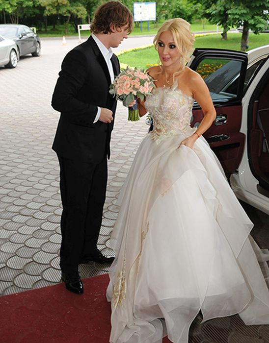 Невеста сказочно прекрасна. / Фото: www.rumenews.com