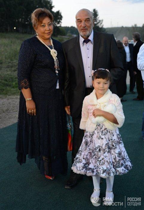 Алексей Петренко с женой и дочерью. / Фото: www.ria.ru