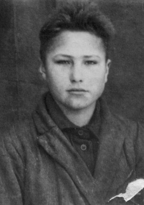 Василий Шукшин в юности.  / Фото: www.pokazuha.ru