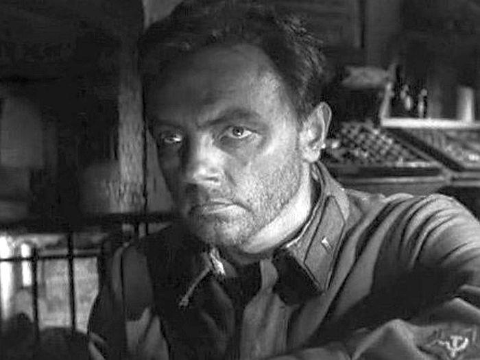 """Кирилл Лавров, """"Живые и мертвые"""", 1963. / Фото: www.kino-teatr.ru"""