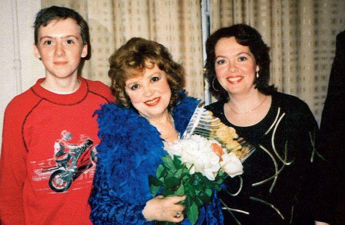 Светлана Карпинская с дочерью и старшим внуком. / Фото: из архива С. Карпинской, www.7days.ru