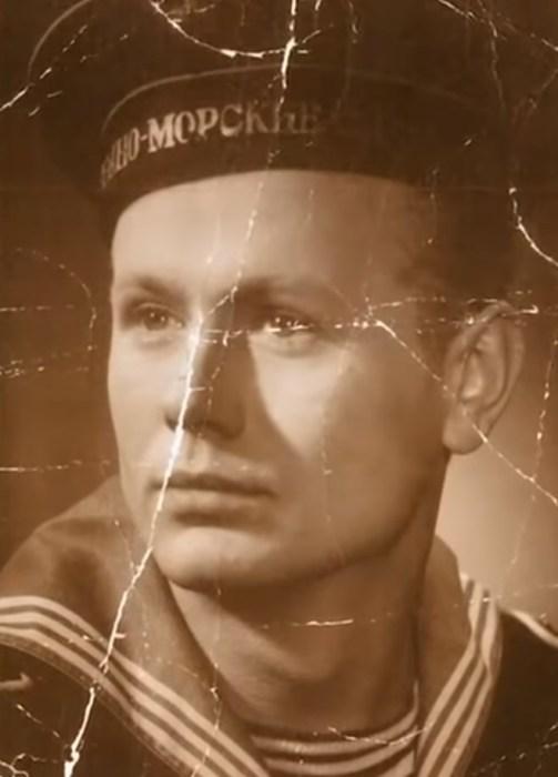 Юрий Смирнов в молодости.  / Фото: www.russia.tv