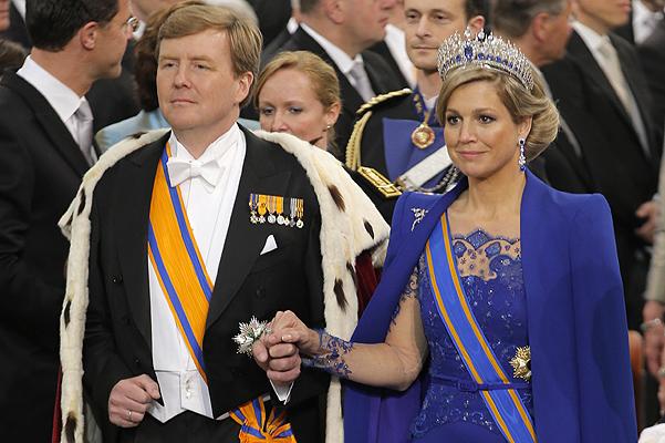 И на престол они взошли рука об руку. / Фото: www.spletnik.ru/