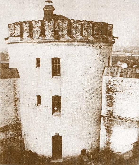 Бутырская тюрьма. Вид из камеры на Пугачевскую башню. Фотография начала XX века. / Фото: www.radiomed.ru