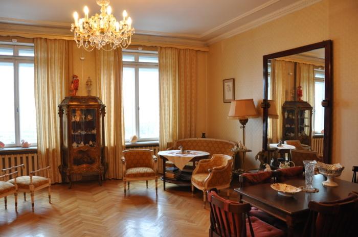 Музей-квартира Галины Улановой в доме на Котельнической набережной, где балерина прожила 46 лет. / Фото: www.kudago.com