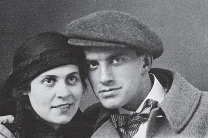 Владимир Маяковский и Лиля Брик. / Фото: www.kudago.com