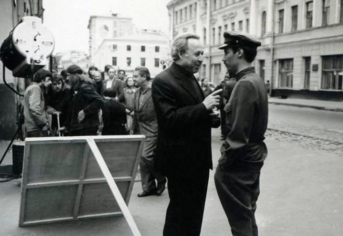 На съёмках фильма «Место встречи изменить нельзя». / Фото: www.mtdata.ru