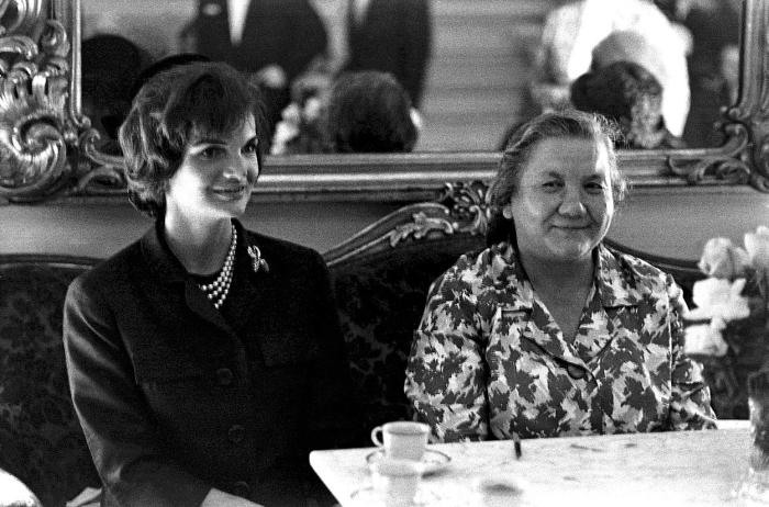 Нина Хрущёва и Жаклин Кеннеди. / Фото: www.tyzden.sk