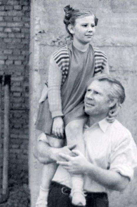 Иван Рыжов с дочерью Татьяной. / Фото: www.7days.ru