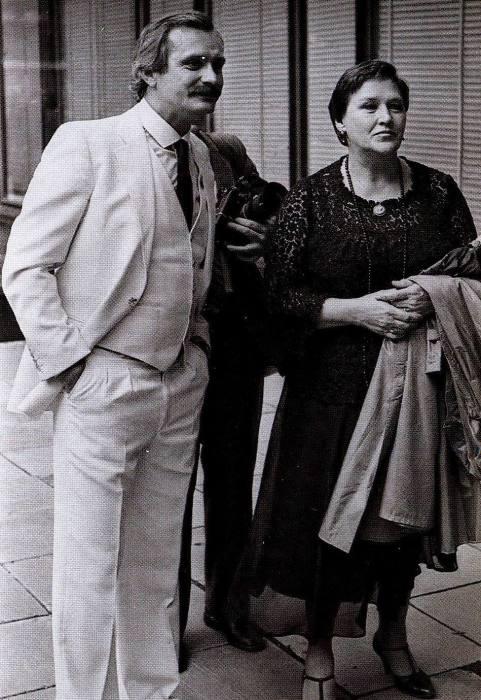 Никита Михалков и Нонна Мордюкова. / Фото: www.celebs-place.com