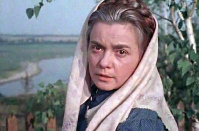 Лилия Гриценко, кадр из фильма «Полюшко-поле». / Фото: www.kino-teatr.ru