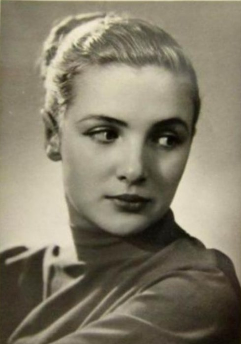 Джемма Осмоловская. / Фото: www.deadorkicking.com