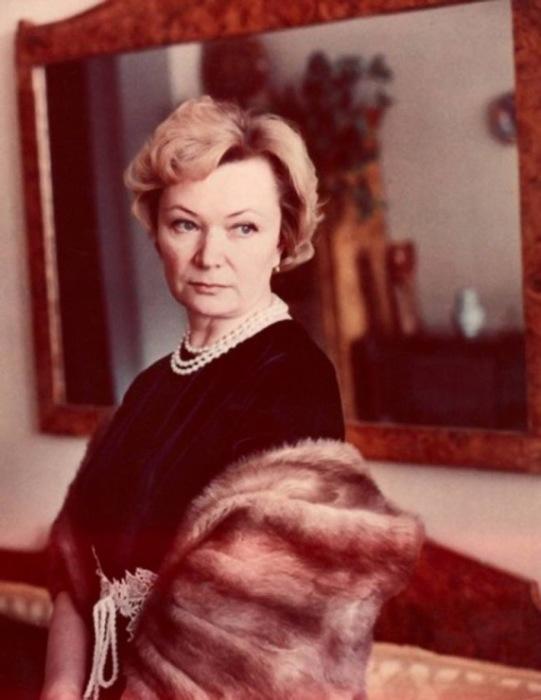Нина Меньшикова. / Фото: www.gallery.ru