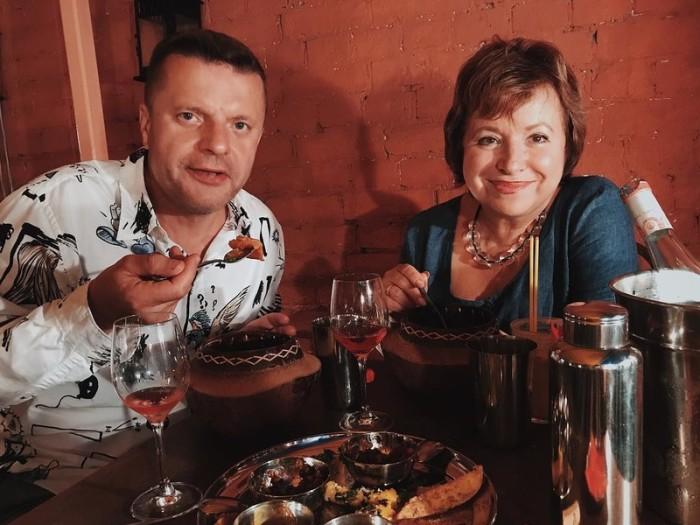 Леонид Парфёнов и Елена Чекалова. / Фото: www.woman.ru