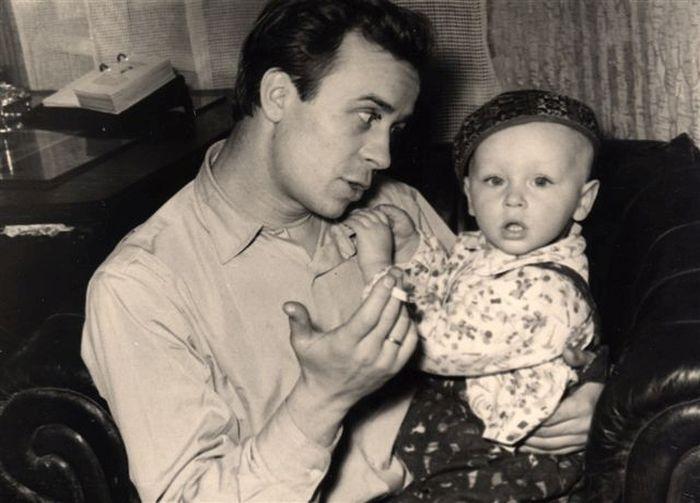Сын Юра купался в родительской любви. / Фото: www.borisovborisov.ru