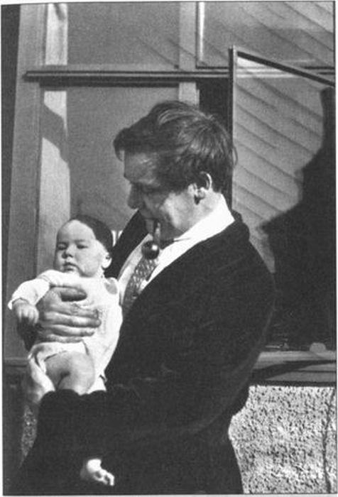 Петр Леонидович Капица с сыном Сергеем, 1928. / Фото: www.profilib.com
