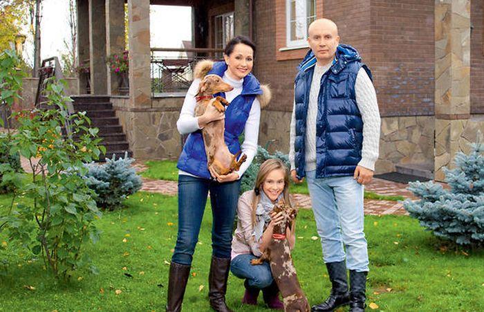 Счастливая семья. / Фото: www.7days.ru