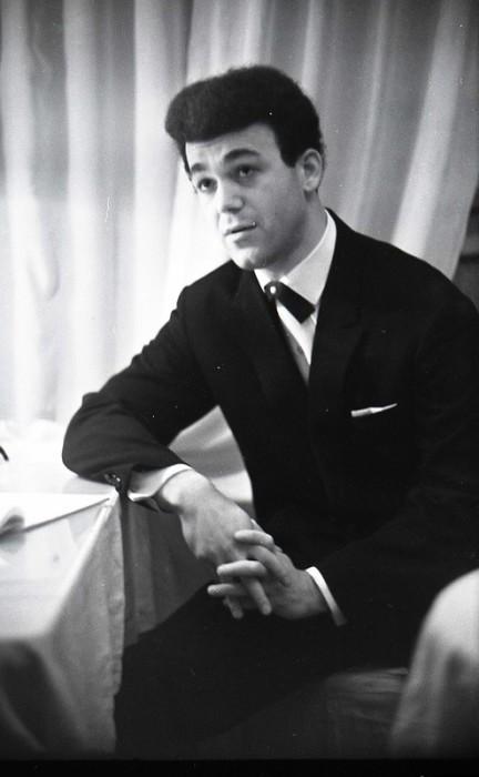 Иосиф Кобзон в молодости. / Фото: www.biography-life.ru
