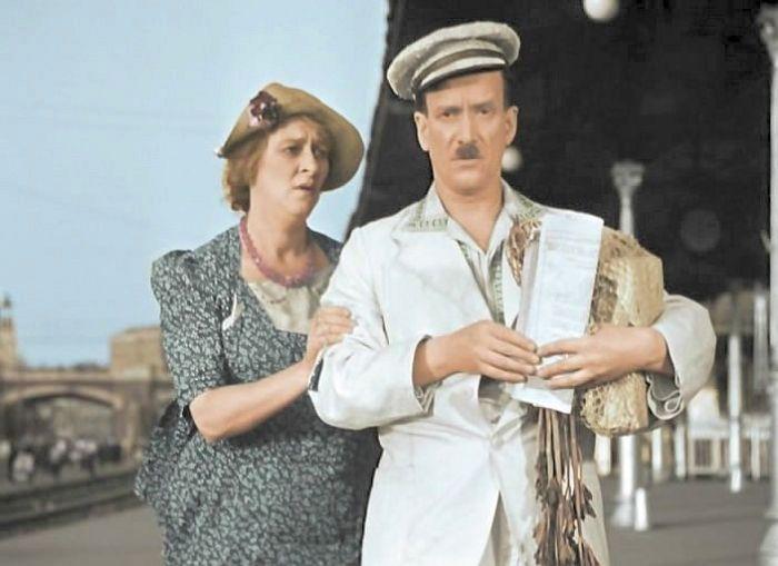 Пётр Репнин и Фаина Раневская, кадр из фильма «Подкидыш». / Фото: www.kino-teatr.ru