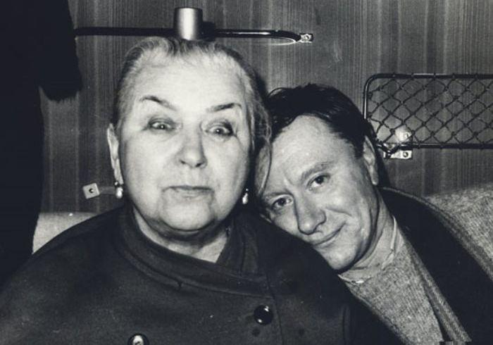 Андрей Миронов с мамой Марией Владимировной. / Фото: www.pressa.tv